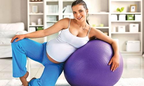 Лечение геморроя у беременных в домашних условиях проводится в том случае, когда заболевание поддается консервативной терапии