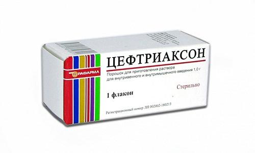 Цефтриаксон вместе с Лидокаином используют при обострениях геморроя на фоне поражения патологическими бактериями