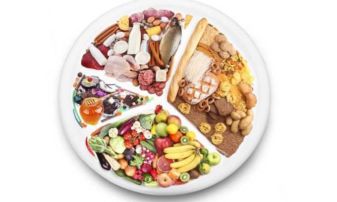Прием пищи должен быть дробным, частым, небольшими порциями