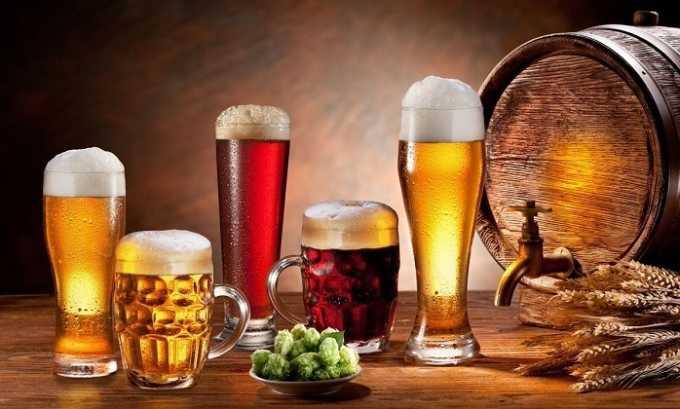 Употребление пива может негативно влиять на слизистую оболочку ануса, что вызовет неприятную боль при геморрое