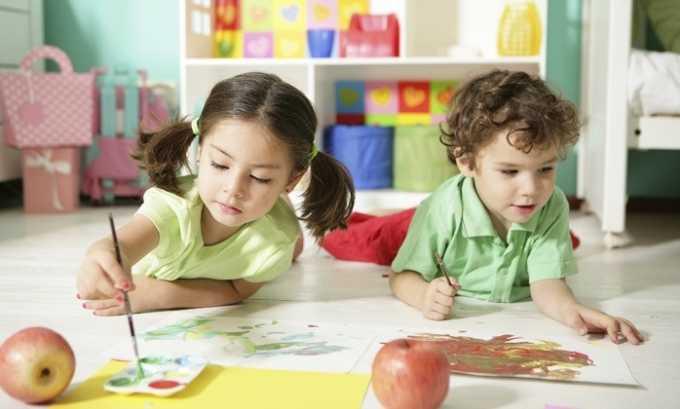 Часто геморрой обнаруживается у малышей, только начинающих посещать детский сад