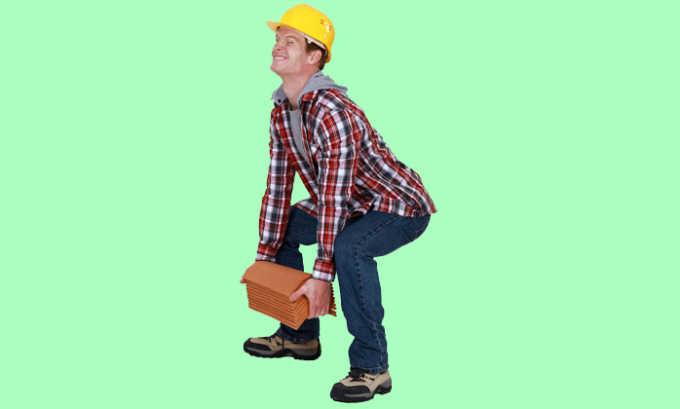 Однократное или регулярное поднятие тяжестей приводят к внутреннему геморрою