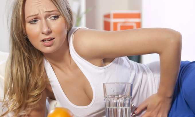 Одним из симптомов заболевания может быть дискомфорт при изменении положения тела (тянет низ живота)