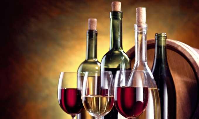 Злоупотребление алкоголем или курение ведет к постепенному ослаблению стенок поврежденной вены, способствуя их прорыву