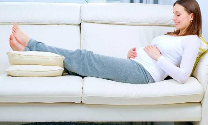 Снижение физической активности нарушает отток венозной крови из органов брюшной полости и приводит к геморрою