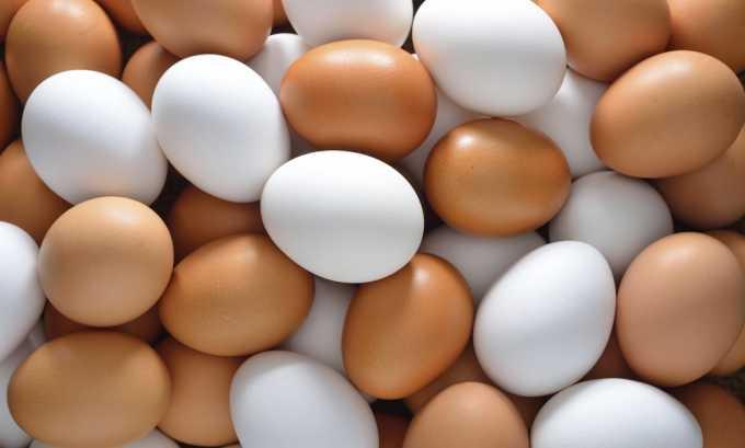 Полезно включать в рацион яйца, но не более 7 шт. в неделю