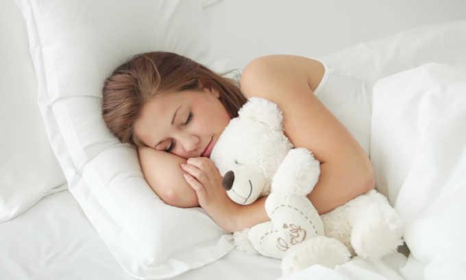 Через 10-15 минут после масляной клизмы пациент может удобно лечь в постели. Двигаться и посещать туалет не рекомендуется до утра