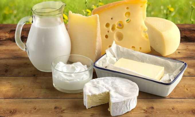 Чтобы поддерживать в норме микрофлору кишечника при геморрое, нужно обязательно включать в рацион кисломолочные продукты, которые содержат полезные бактерии