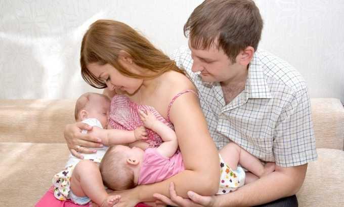 Противопоказан пластырь женщинам, которые кормят ребенка грудным молоком
