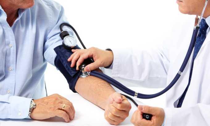 Лечение чесноком ограничено для лиц с повышенным артериальным давлением