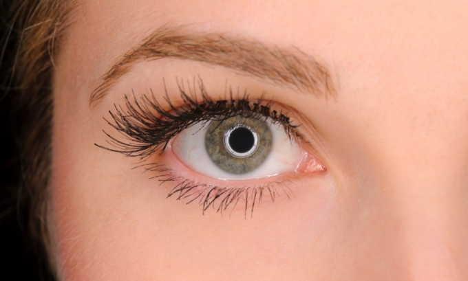 Если у человека диагностирована глаукома, применять свечи с красавкой для лечения геморроя запрещено