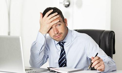 В группу риска развития геморроя входят люди, чья работа связана с продолжительным сидением, а также ведущие малоподвижный образ жизни