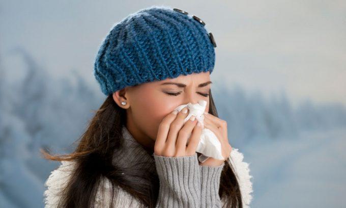 К противопоказаниям лечения геморроя льдом относят острые респираторные заболевания