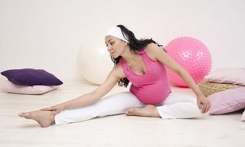 Все упражнения для улучшения состояния при геморрое делаются медленно и без чрезмерной физической нагрузки