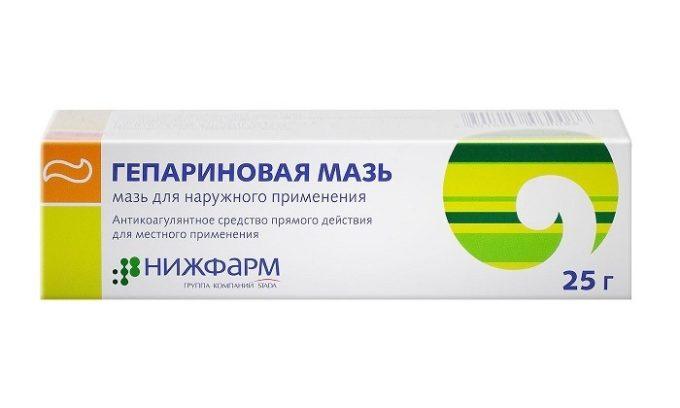 При геморрое нужно использовать средства, в состав которых входит гепарин, способствующий разжижению крови и предупреждению тромбоза. К примеру, Гепариновую мазь
