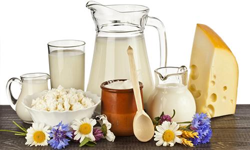 Для профилактики геморроя нужно добавить в рацион кисломолочные продукты