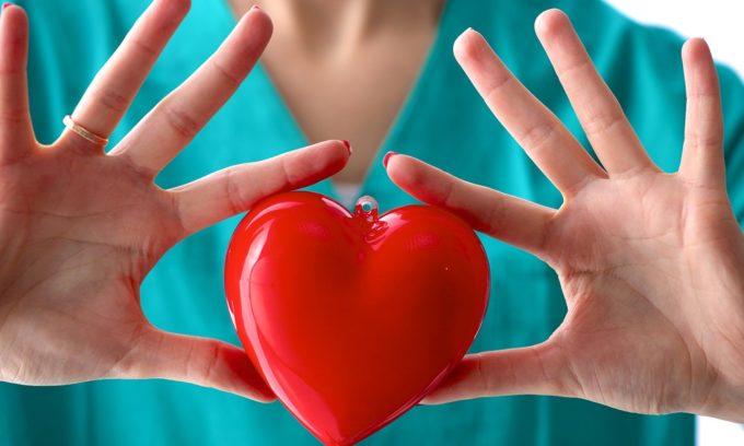 При заболеваниях сердечно-сосудистой системы противопоказан операция на геморрой