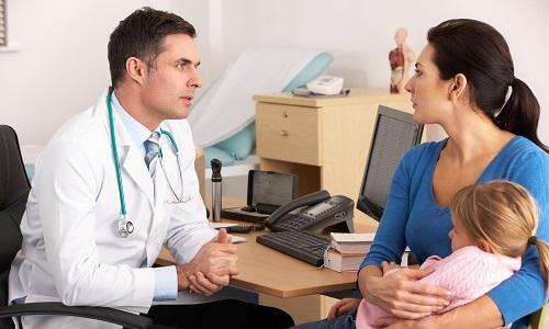Если есть подозрения на наличие геморроя у ребенка, то срочно необходимо обратиться к педиатру или детскому хирургу