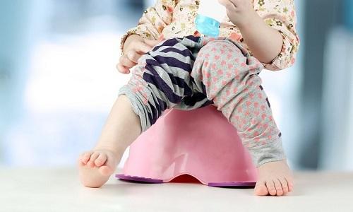 Несмотря на то что расширение венозных сосудов прямой кишки считается заболеванием взрослых, геморрой у детей возникает все чаще, доставляя малышам множество неудобств