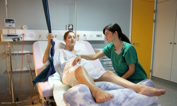 Длительные потуги могут привести к выпадению и последующему воспалению геморроидальных узлов