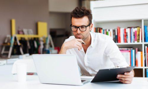 У мужчин к расширению геморроидальных вен приводит сидячая работа
