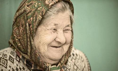 У пожилых людей предрасположенность к развитию геморроя встречается чаще, так как в организме происходит очень много необратимых изменений
