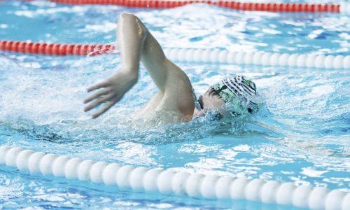 Лучше всего при геморрое заниматься плаваньем