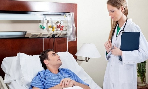 Для предупреждения осложнений после операции в первые несколько дней пациенту рекомендуется постельный режим