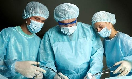 Терапия хронического геморроя включает в себя хирургическое вмешательство